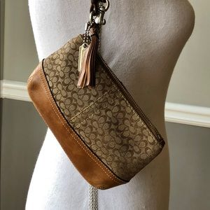 COACH SIGNATURE BROWN WRISTLET HANGTAG & TASSEL